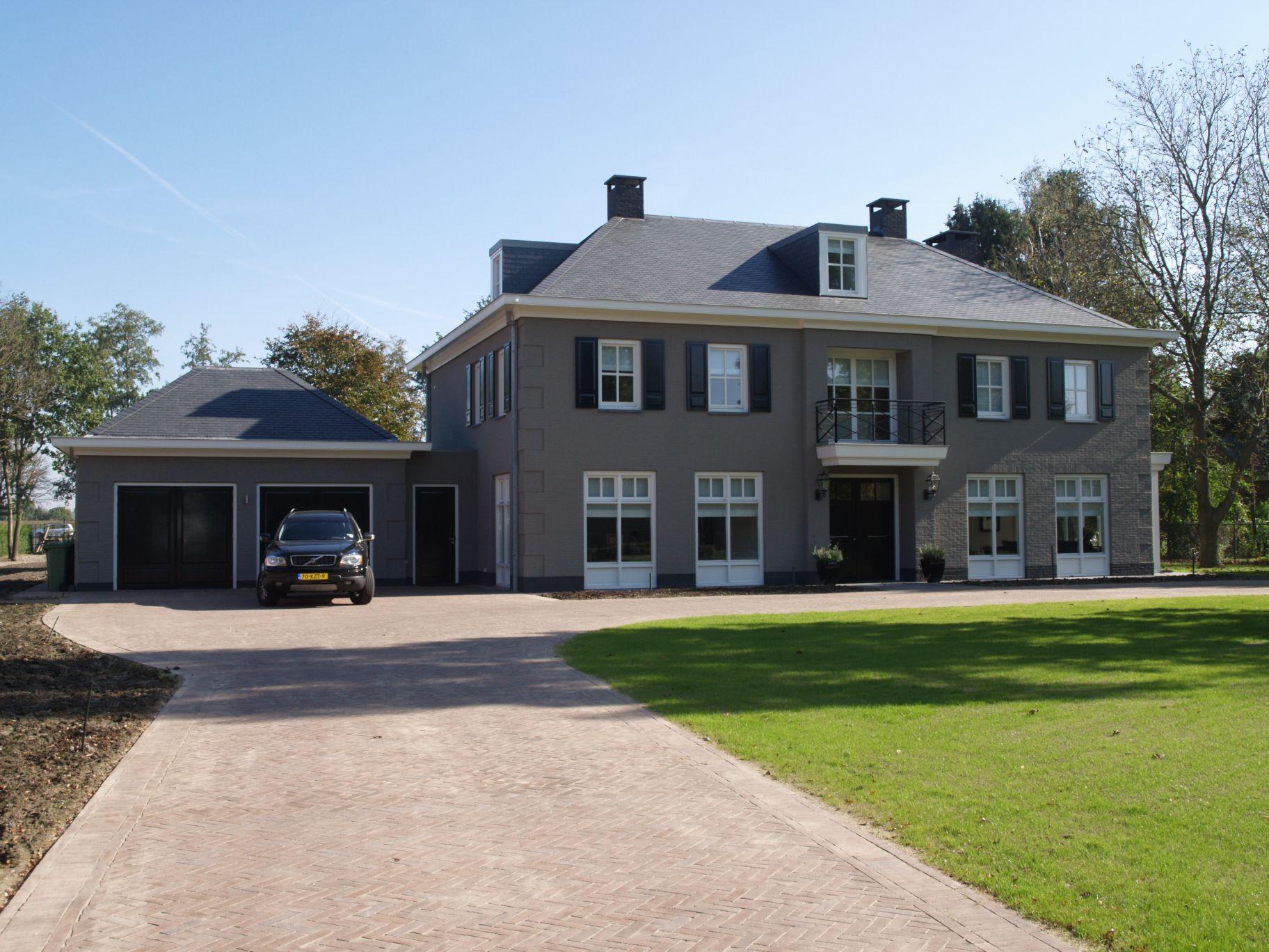 Villa te aarle rixtel hans goossens architectenbureau for Grote villa